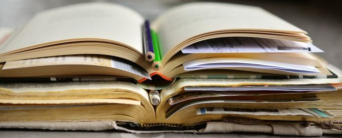 Books 2158737 960 720 1